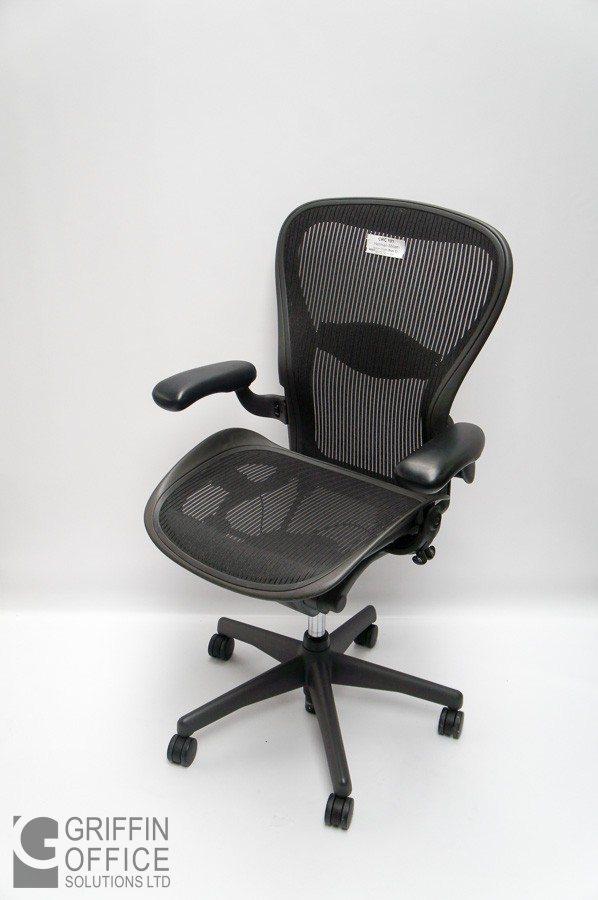cheap for discount 8e331 7a848 Herman Miller Aeron Chair Size C